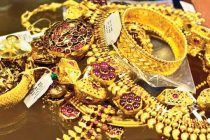 Gems and jewellery exports dip 22% in April