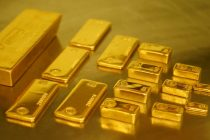 Gold regains sheen on global cues