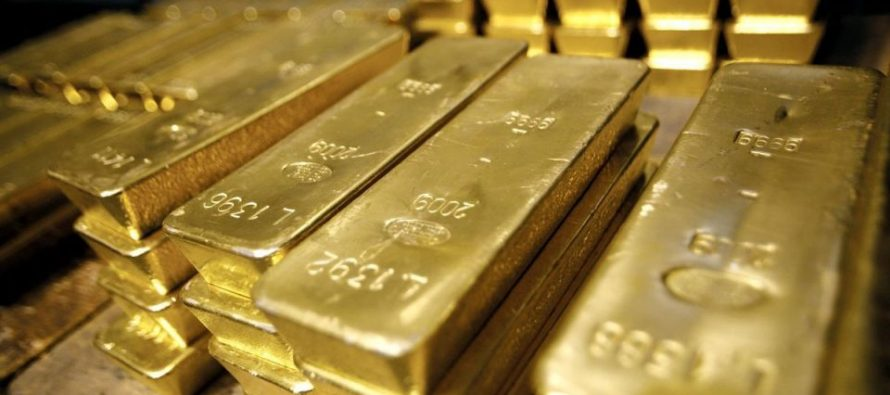 Gold Near 1-Week High as Soft US Inflation Data Dents Dollar