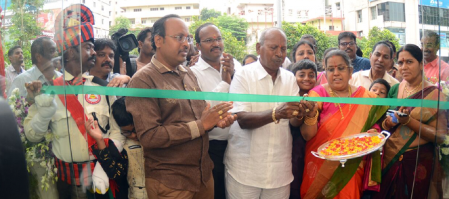 Vysyaraju Jewellers new outlet inaugurated