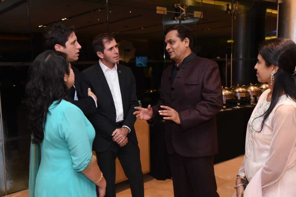 Shailen-Mehta-interacting-with-guests