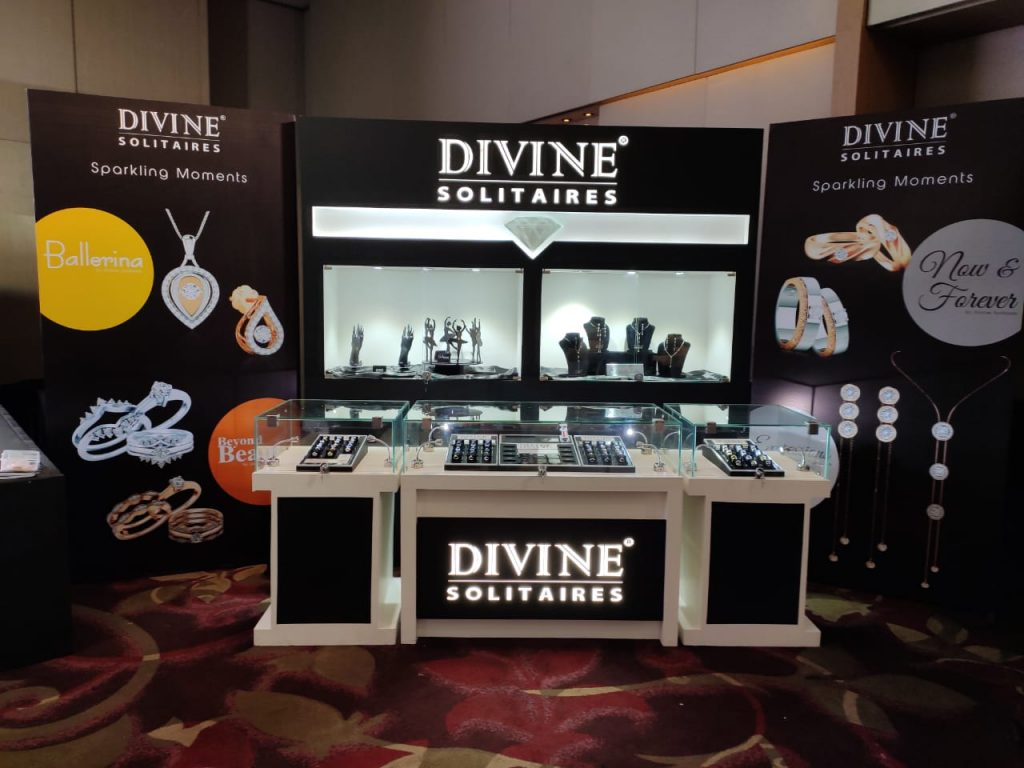 The new VM display & latest solitaire jewellery collections