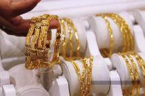 Despite price rise, gold shines on festive sales