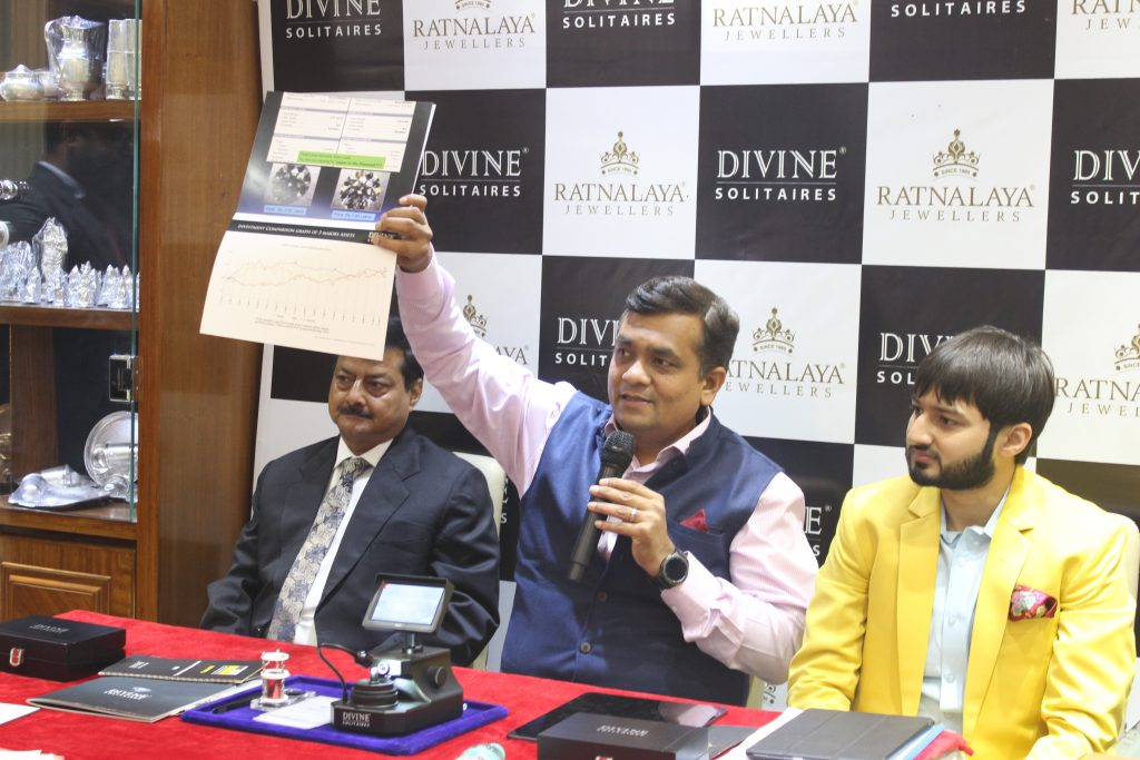 Mr. Nagendra Keshri MD Ratnalaya Jewellers, Mr. Jignesh Mehta Founder & MD Divine Solitaires, Mr. Saket Keshri Director Operations & Marketing