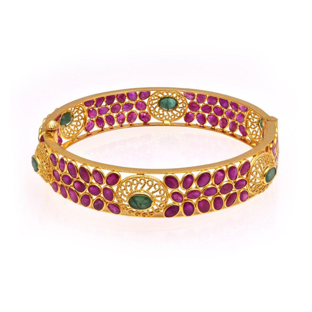 Joyalukkas Ratna Collections 22k Yellow Gold and Emerald Bangle