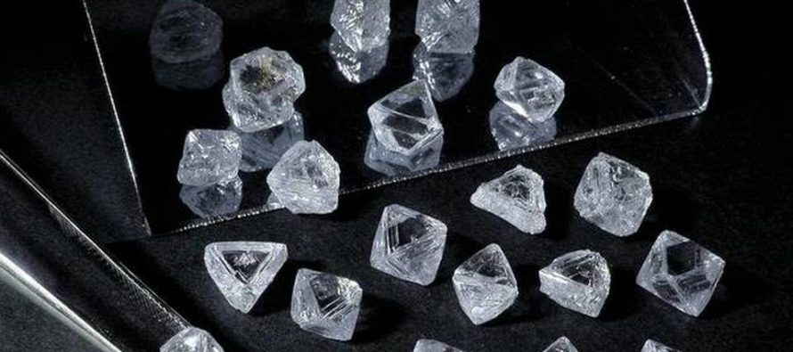 De Beers cuts rough diamond prices by 5%