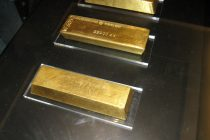 Gold Bars Rise to Premium in India as Bullion Imports Sink