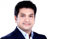 Leaving his family business, how this law graduate built a Rs 5 crore diamond manufacturing, wholesaling business