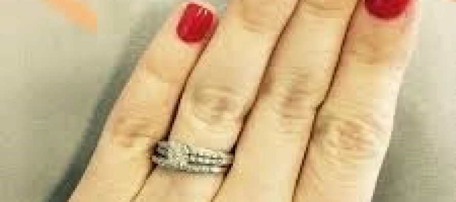 Buying Diamonds is Not Obsession But a Sense of Achievement For Young Working Women