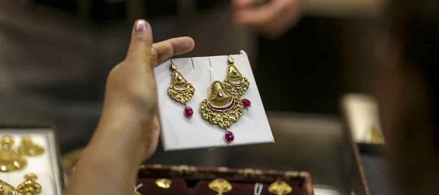 Titan's Jewellery Business Posts 15% Growth In Festive Season