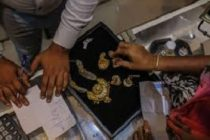 Gold's Slump Boosts Indian Buying Ahead of Wedding Season